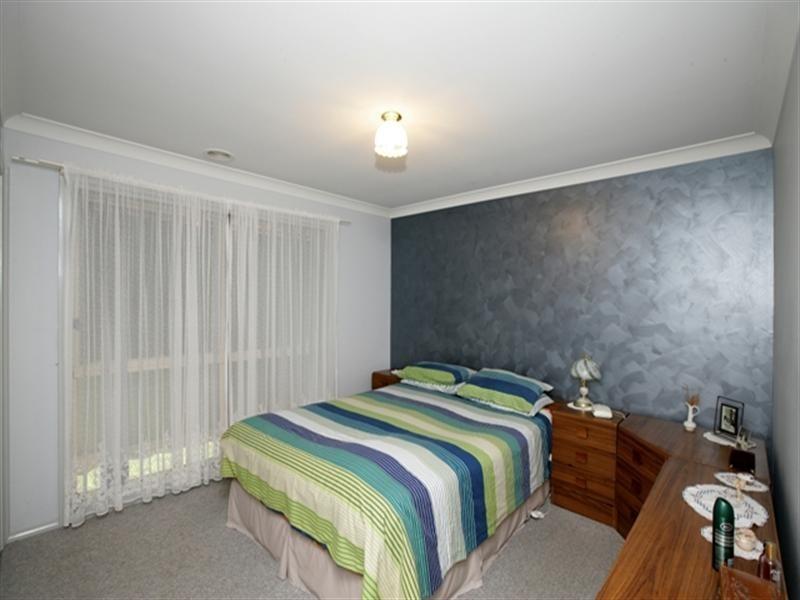 45 Yentoo Drive, Glenfield Park NSW 2650