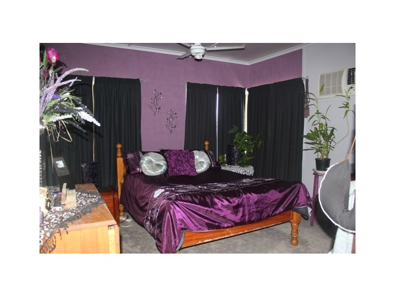 7 Shaws Avenue, Halifax QLD 4850