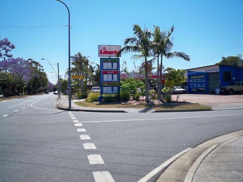 75 T E Peters Drive, Broadbeach Waters QLD 4218