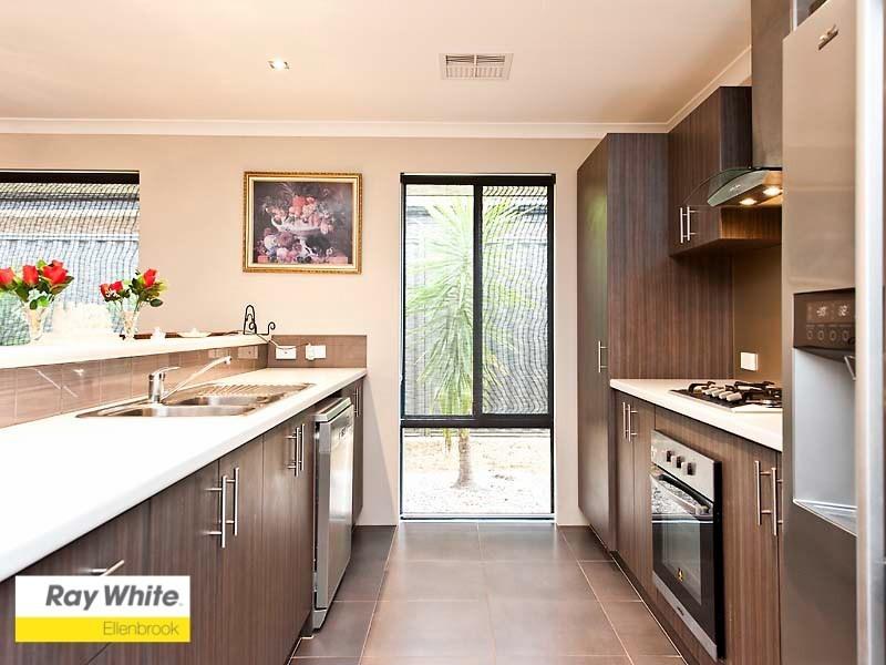 10 Marden Grange, Aveley WA 6069