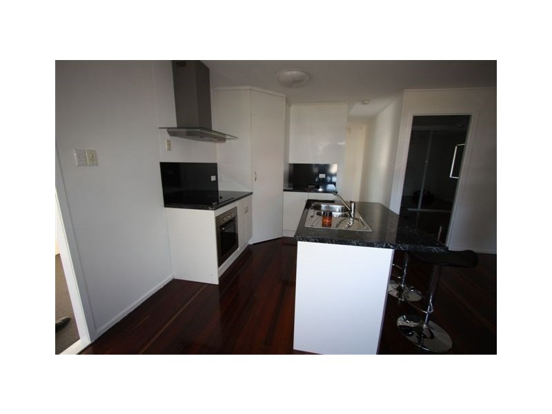 1/451 Crane Avenue, Kawana QLD 4701