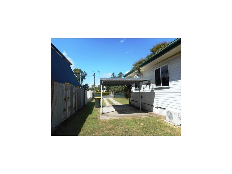 90 Main Street, Park Avenue QLD 4701