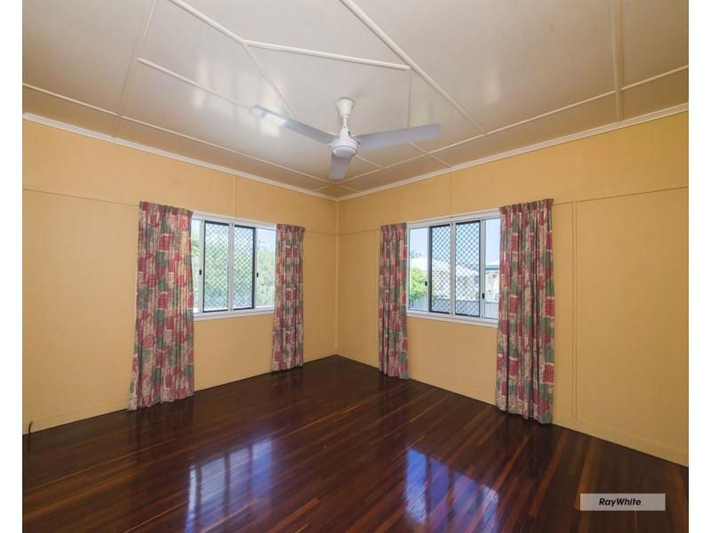 5C Taylor Street, Park Avenue QLD 4701
