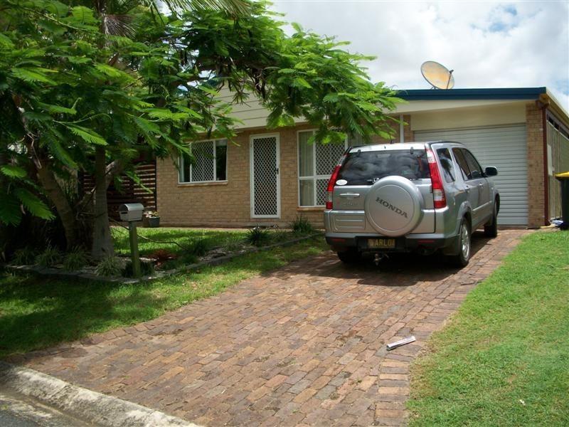 5 ACACIA Place, Kawana QLD 4701