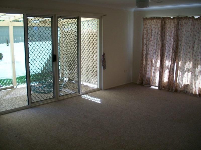 17A Price Avenue, Kawana QLD 4701