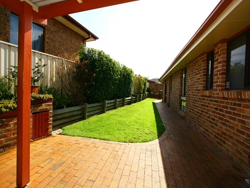 7 Bluegum Place, Barrack Heights NSW 2528