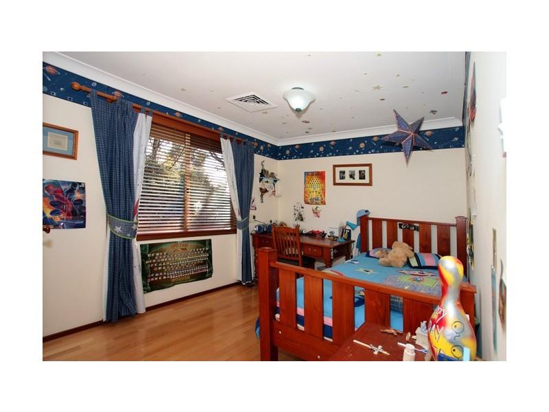 8 Gleeson Place, Abbotsbury NSW 2176