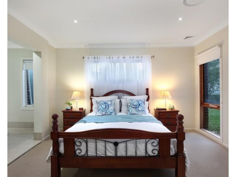 11 Maxwell Place, Abbotsbury NSW 2176
