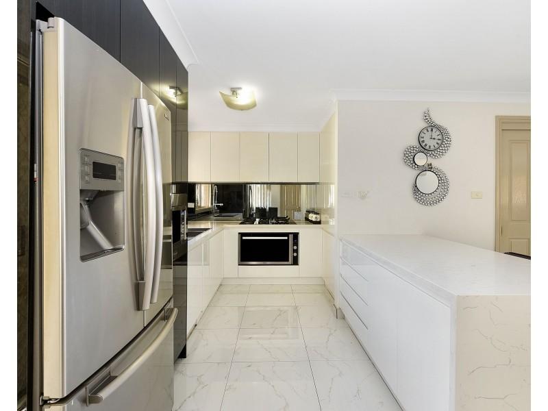 32a Cuthbert Crescent, Edensor Park NSW 2176