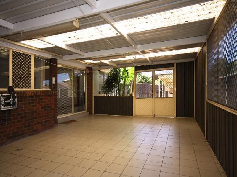 4 Glenton Street, Abbotsbury NSW 2176