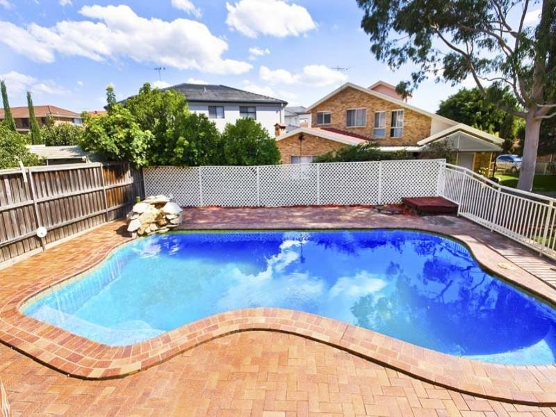 37 Mariner Crescent, Abbotsbury NSW 2176