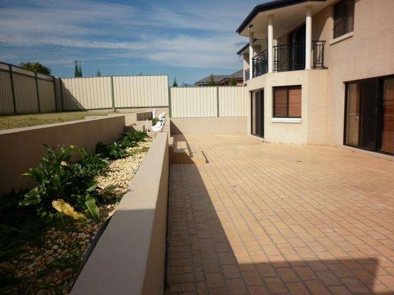 19 Rafter Crescent, Abbotsbury NSW 2176