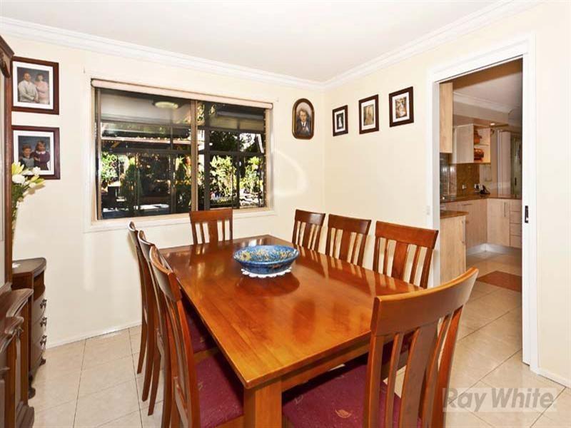 15 Dixon Street, Abbotsbury NSW 2176