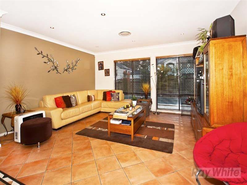 19 Hackett Road, Abbotsbury NSW 2176