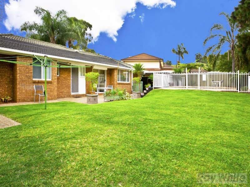 9 Usher Close, Abbotsbury NSW 2176
