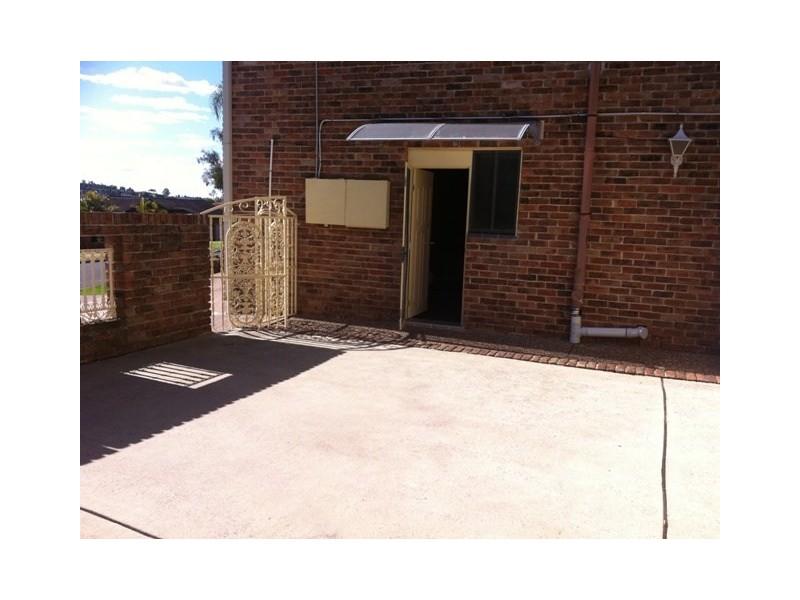 8/2 Lewers Close, Abbotsbury NSW 2176