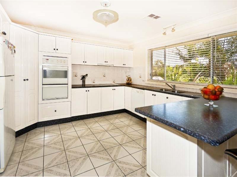 39 Driscoll Street, Abbotsbury NSW 2176