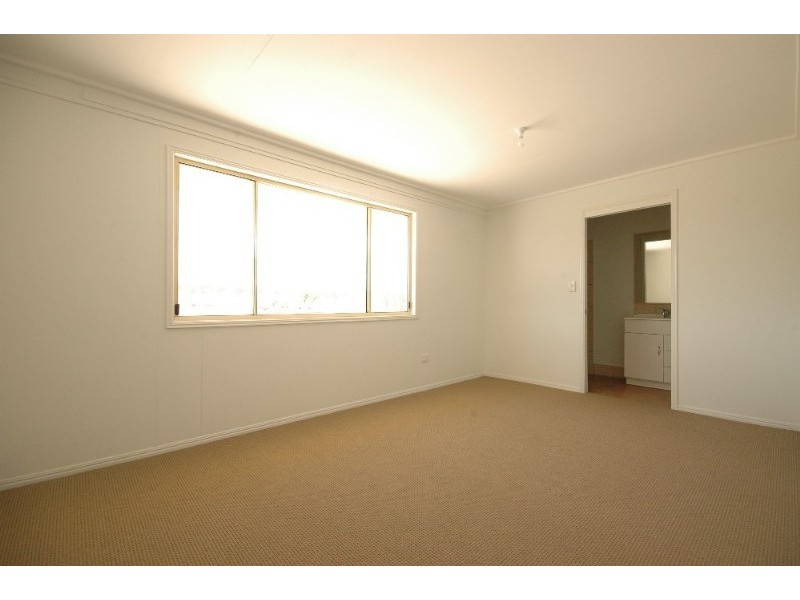 39 Phipps Drive, Meringandan QLD 4352