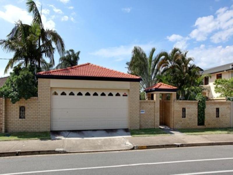 47 T E Peters Drive, Broadbeach Waters QLD 4218