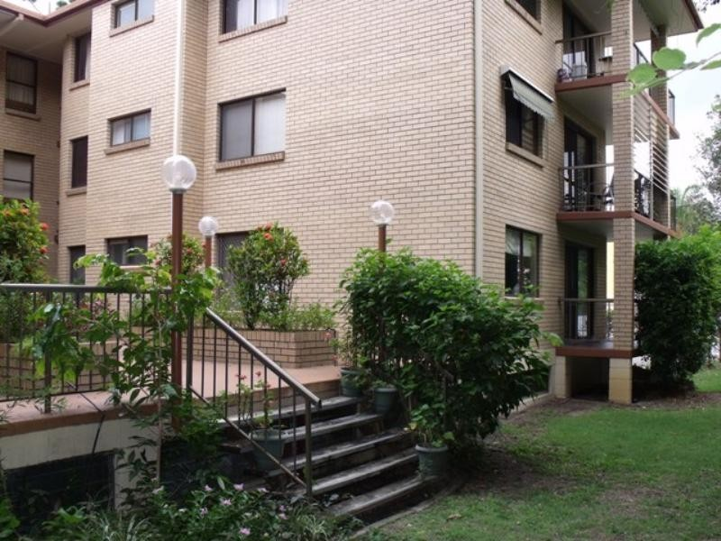 1/33 Monaco Street, Broadbeach Waters QLD 4218