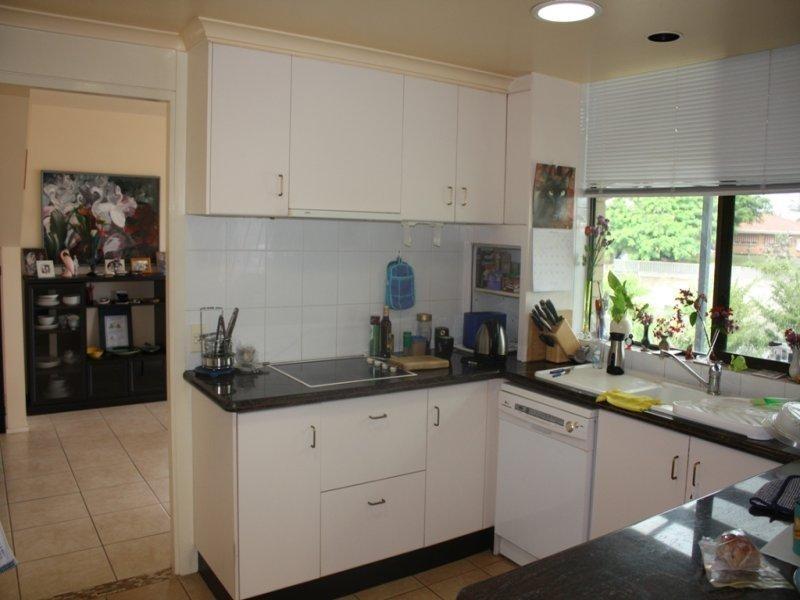 13 Beverley Crescent, Broadbeach Waters QLD 4218