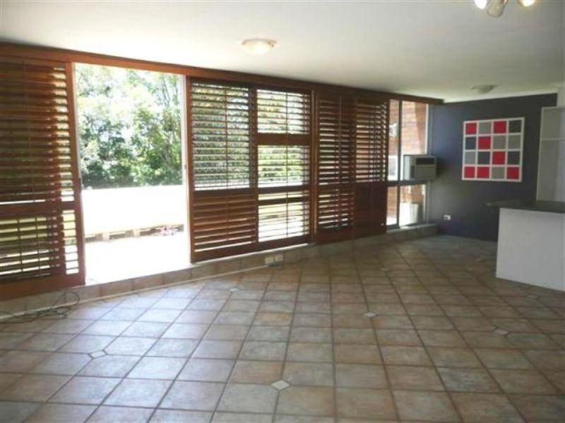 4 'Casuarina', 111 Rio Vista Boulevard, Broadbeach Waters QLD 4218