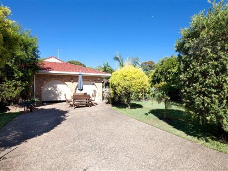 5 Hokitika Street, Broadbeach Waters QLD 4218