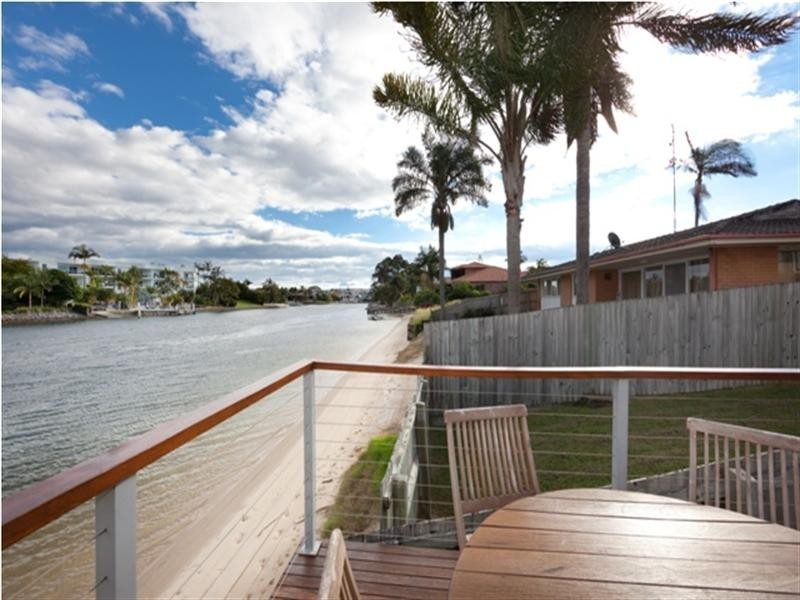 137 Allambi Avenue, Broadbeach Waters QLD 4218