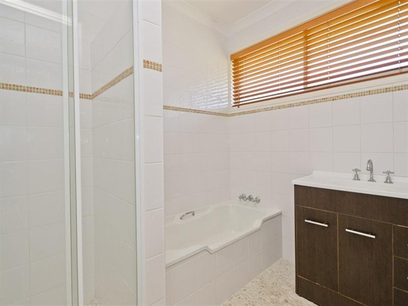 162 Monaco Street, Broadbeach Waters QLD 4218