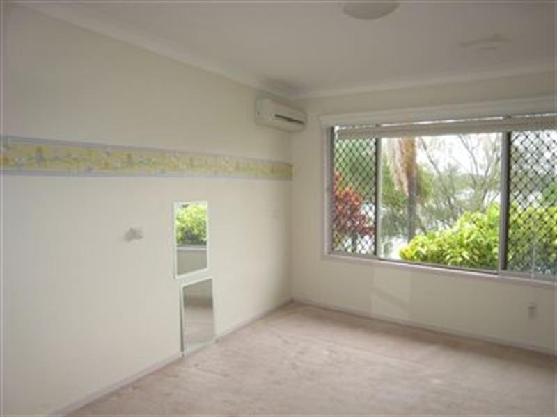 1 Sheridan Park Avenue, Broadbeach Waters QLD 4218
