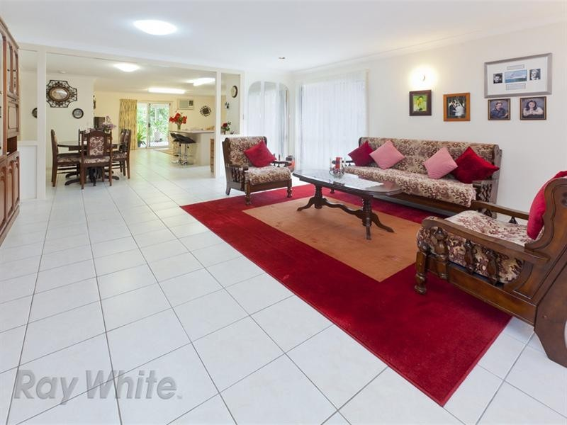 8 Lambrook Court, Camira QLD 4300