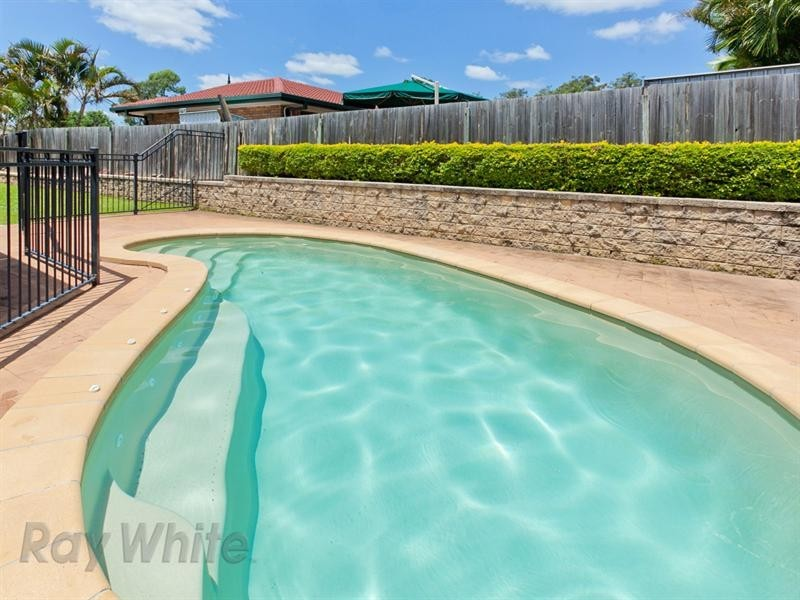 11 Bankswood Crescent, Camira QLD 4300