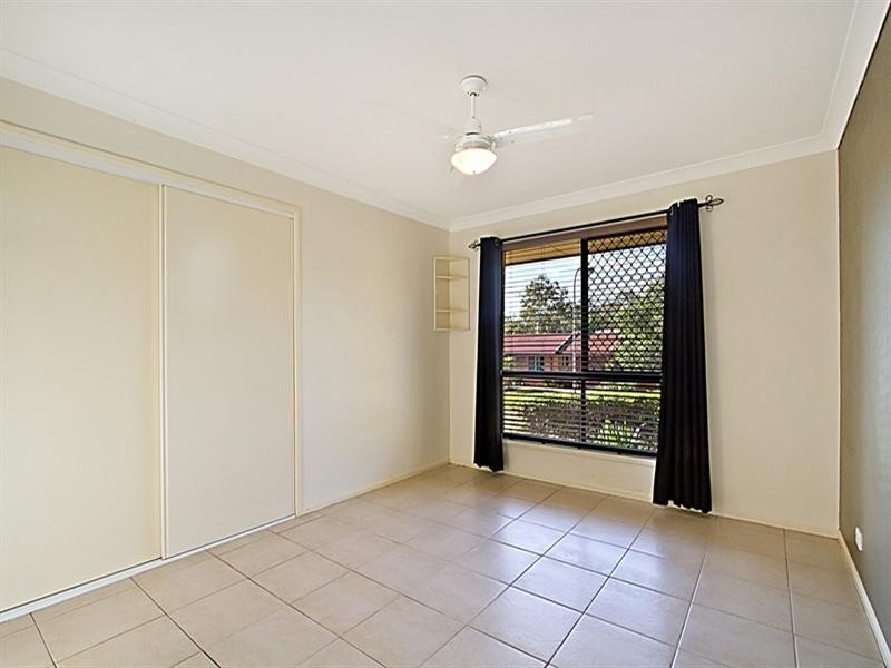 3 Mistletoe Court, Camira QLD 4300
