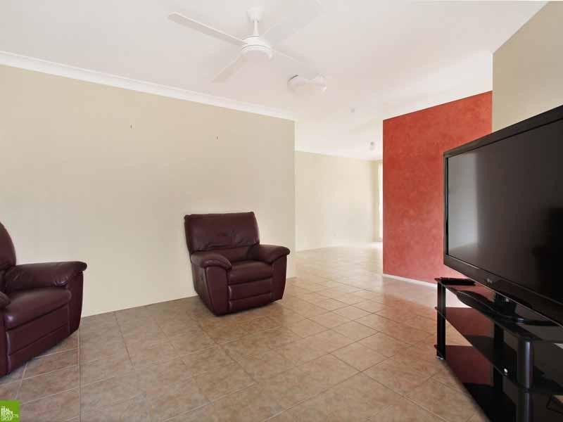 43 Scarborough Circuit, Albion Park NSW 2527