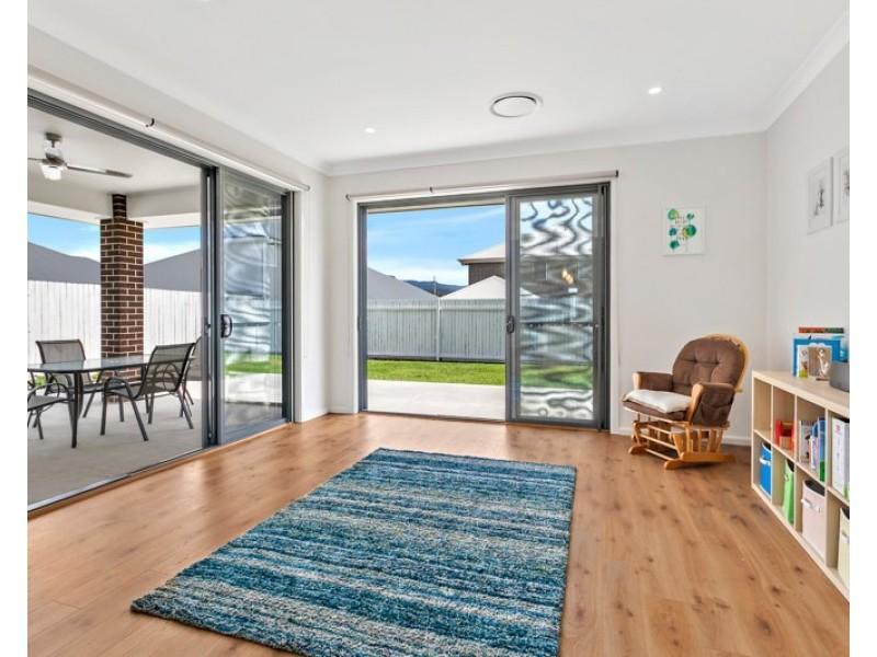 6 Milton Street, Albion Park NSW 2527