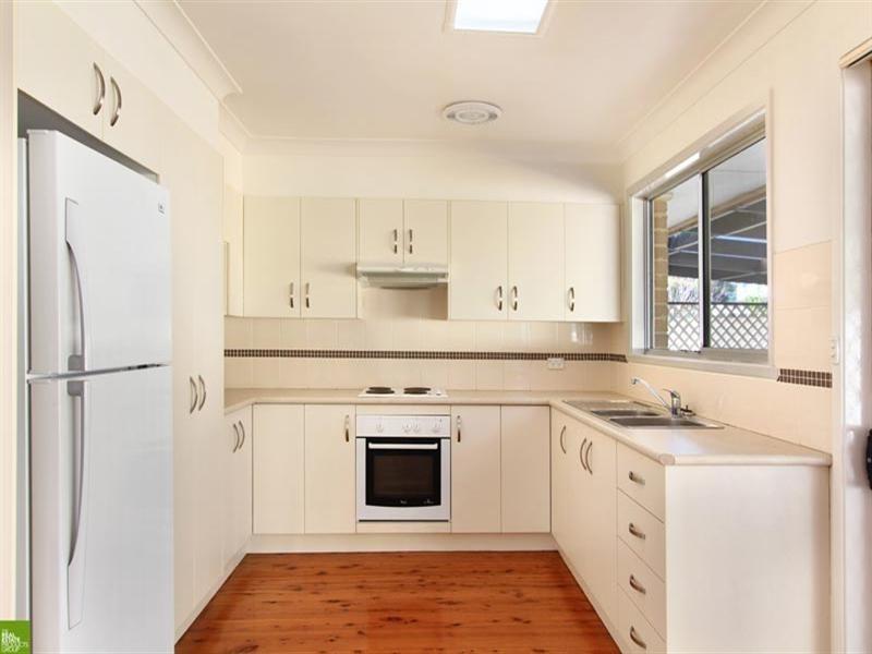 41 Oak Street, Albion Park Rail NSW 2527