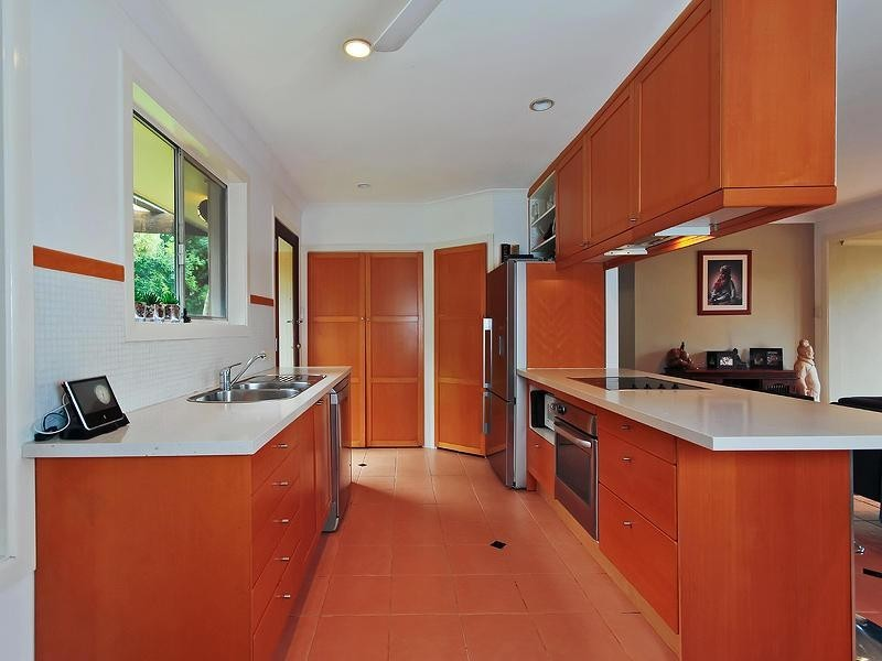 93 Monaco Street, Broadbeach Waters QLD 4218