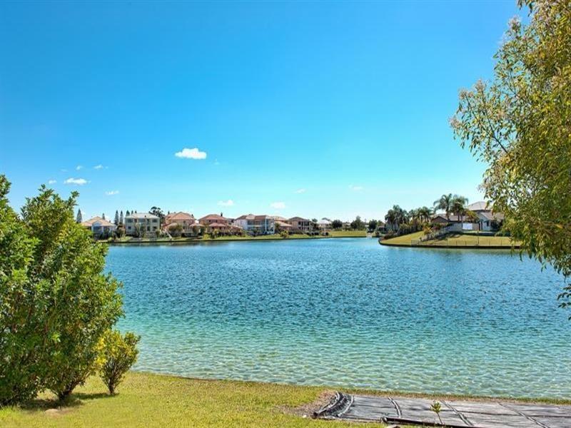 86 Cypress Drive, Broadbeach Waters QLD 4218