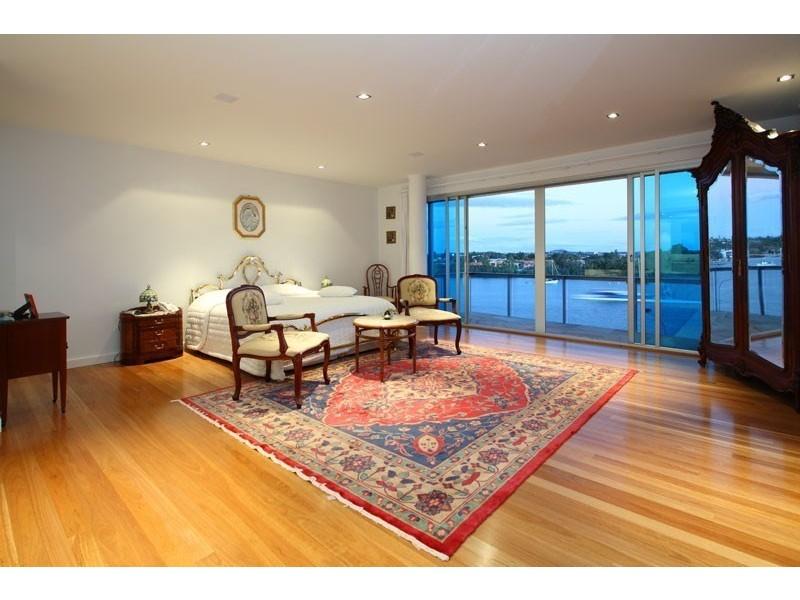 23 Hillside Crescent, Hamilton QLD 4007