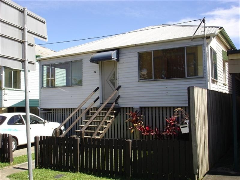 104 Nudgee Road, Hamilton QLD 4007