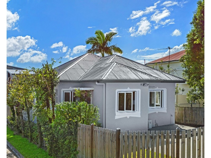 26 Thirteenth Avenue, Kedron QLD 4031