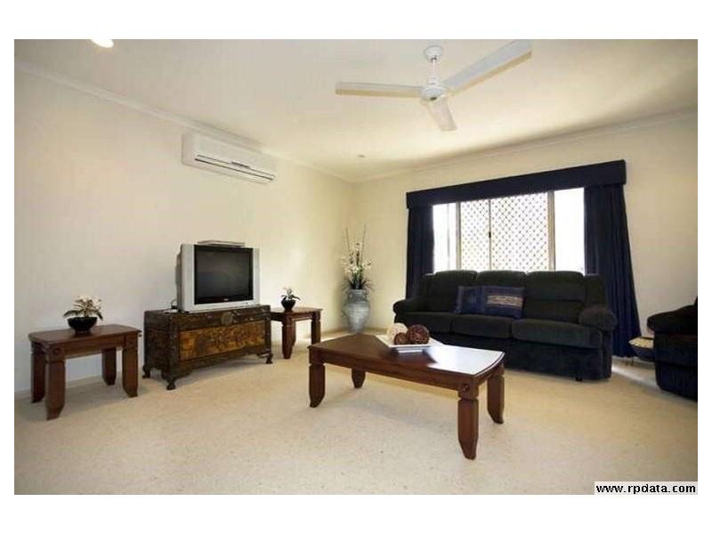Bentley Park QLD 4869