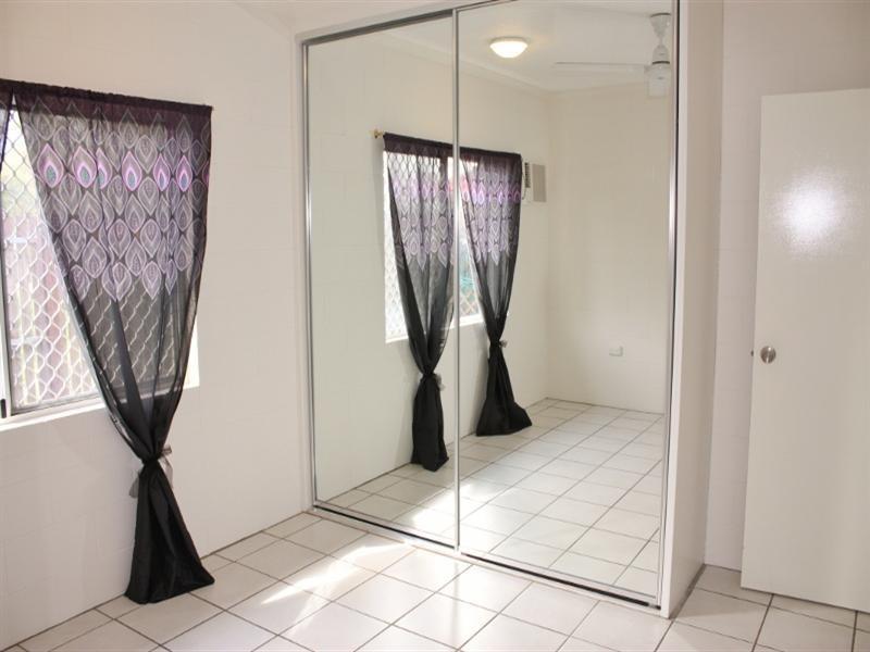 1/74 – 82 Swallow Street, Mooroobool QLD 4870