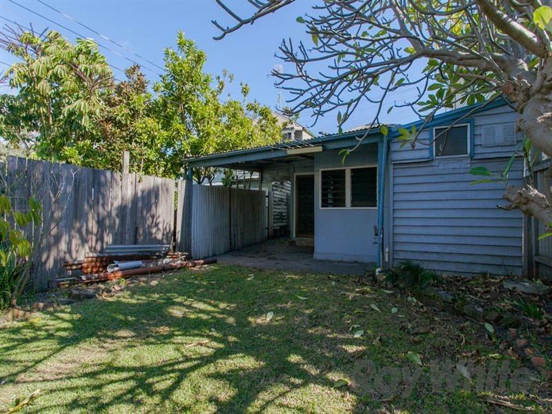 42 Young Street, Carrington NSW 2294