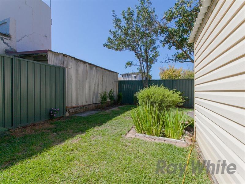 38 Garrett Street, Carrington NSW 2294
