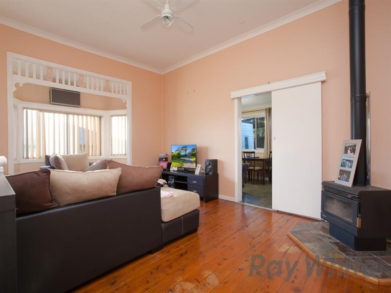 15 Raymond Street, Speers Point NSW 2284