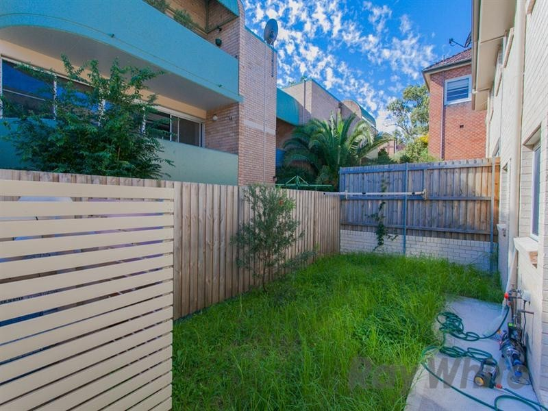 2/212 Brunker Road, Adamstown NSW 2289