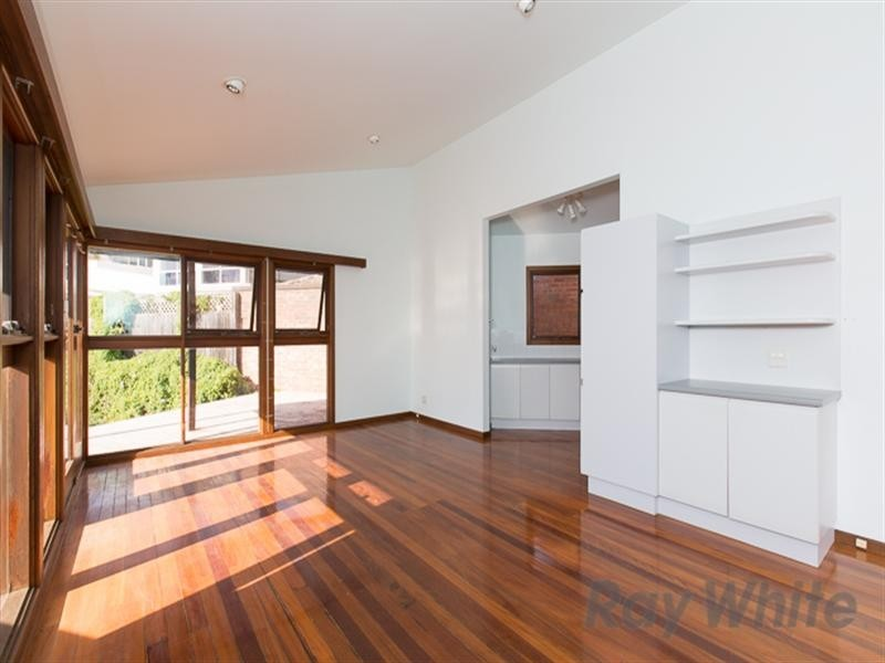 15 Wrightson Avenue, Bar Beach NSW 2300