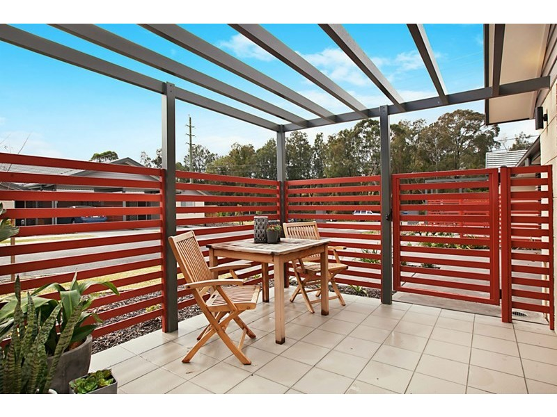 8/57 Burton Road, Mount Hutton NSW 2290