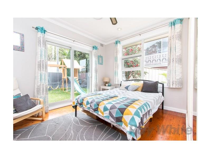 8 Crossland Street, Adamstown Heights NSW 2289